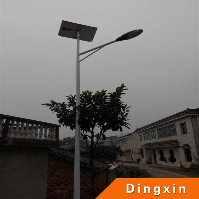 6m Solar LED Street Light with 30W LED Lamp