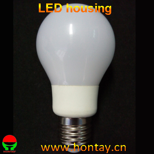 A60 9 Watt LED Bulb Full Beam Angle PC Lampshade