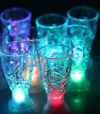 Hot Promotional 2015 LED Flashing Cup Design and Accept OEM